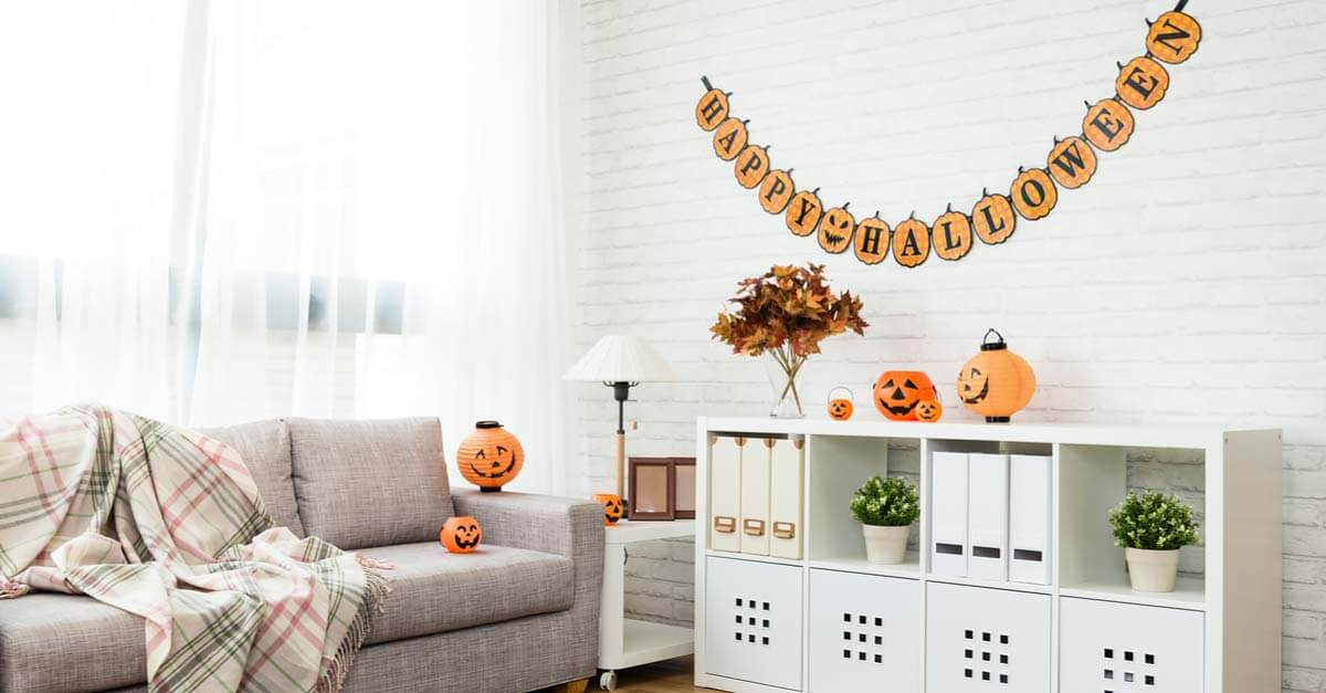 halloween decorations in apartment